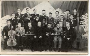 1952 Przemyśl Marian Sawa z akordeonem