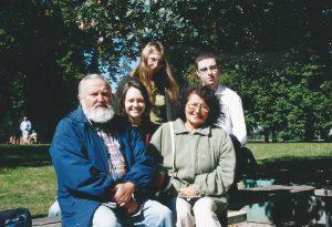 2002 Legnica z Mariettą Kruzel i uczniami